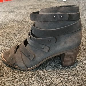 Vince Camuto open toe bootie size 9.5
